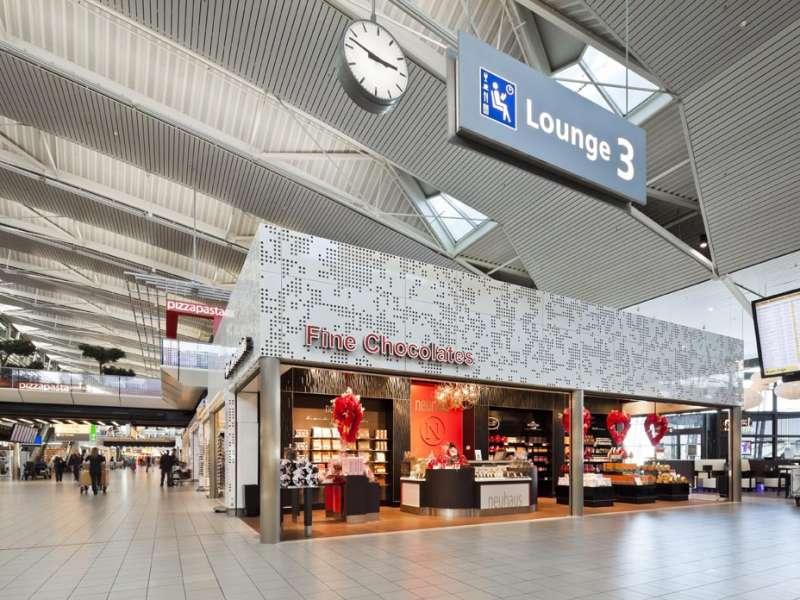 Schiphol Lounge 3